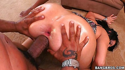 Hot slut gets reverse fucked upside down on the floor